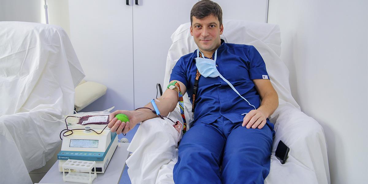 Сдача донорской крови ко Дню Святого Валентина